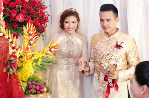 luong-the-thanh-dien-ao-dai-di-ruoc-co-dau-thuy-diem-2