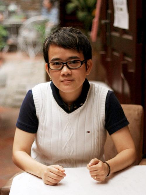 phuong-uyen-ngoi-ghe-nong-chuong-trinh-danh-cho-thieu-nhi