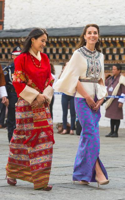 vai-may-vay-tham-bhutan-cua-kate-middleton-gia-hon-1500-usd