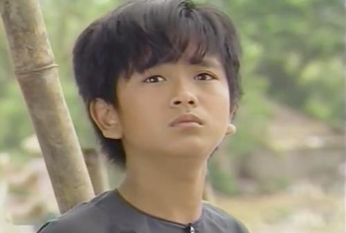 Gây ấn tượng sâu sắc với vai An trong Đất Phương Nam, Hùng Thuận vụt sáng trở thành sao nhí của màn ảnh nhỏ Việt Nam những năm cuối thập niên 80 của thế kỷ trước. Hùng Thuận đóng Đất phương Nam khi mới 12 tuổi. Cậu vào vai chú bé mồ côi mẹ và gặp nhiều khó khăn trên con đường lặn lội tìm cha.