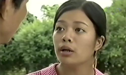 Kết hôn năm 2005 Là diễn viên Đoàn kịch II của Nhà hát Tuổi trẻ