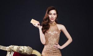 Hà Hồ hóa nữ hoàng với váy xuyên thấu