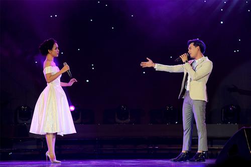 """Sau đó, cô cùng Nguyễn Trần Trung Quân lại đem tới những giai điệu da diết trong ca khúc """"Gọi anh"""" của nhạc sĩ Dương Thụ."""
