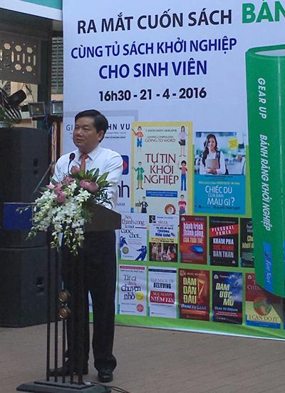 ngay-sach-viet-nam-2016-soi-noi-nhung-thieu-ban-sac-2