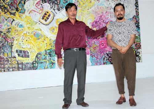 """Nguyễn Quốc Dân (phải) bên """"bố"""" Trương"""