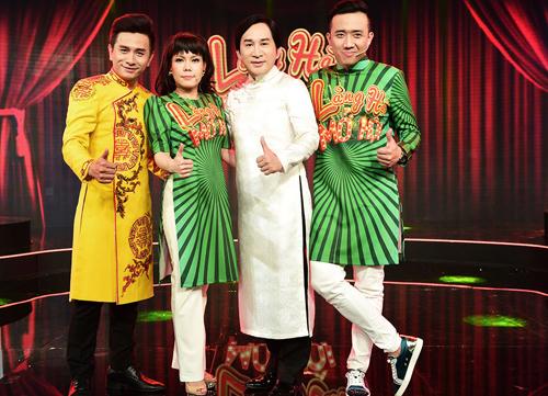 Từ trái qua: MC Đình Toàn, Việt Hương, Kim Tử Long