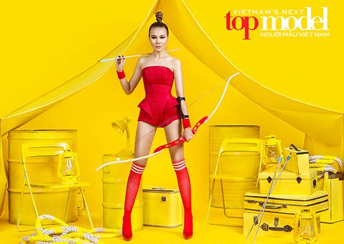 thanh-hang-khoe-chan-dai-trong-trailer-next-top-model-2016