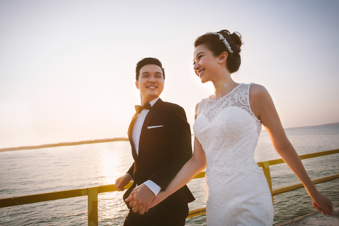 Thảo Nhi chụp ảnh cưới dưới ánh hoàng hôn