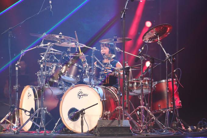 Quán quân VN's Got Talent 2016 chơi trống, hát rock