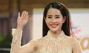 Hoa khôi Nam Em thi hát Bolero