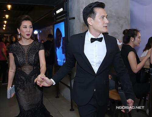 Doanh nhân Duy Hân (phải) thường xuyên sánh đôi cùng MC Nguyễn Cao Kỳ Duyên tại các chương trình