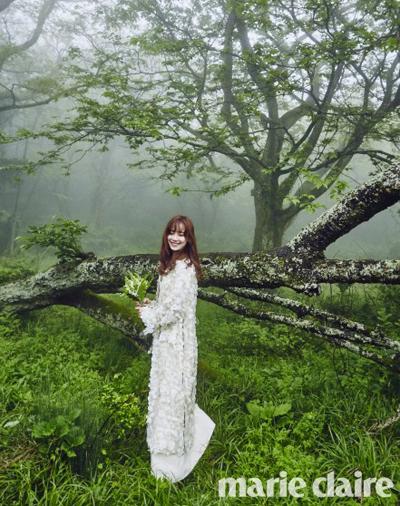 Ảnh cưới của Goo Hye Sun cũng thep phong cách giản dị.