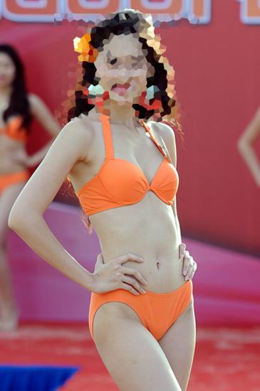 doan-ten-hoa-hau-viet-qua-nhung-buc-hinh-bikini-2