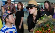 Thu Phương được fan nhí ra đón ở sân bay