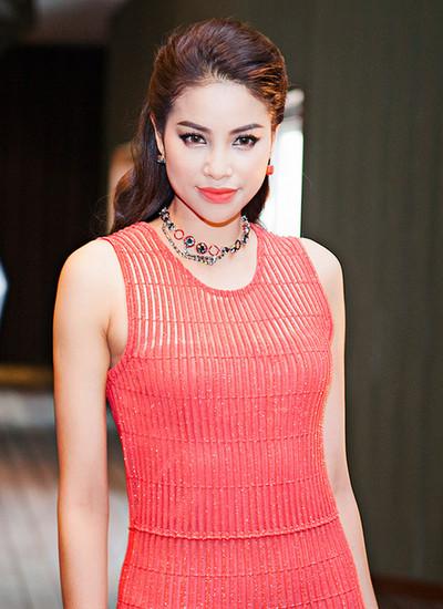 Phạm Hương khẳng định cô không cướp người yêu của Hồ Ngọc Hà.