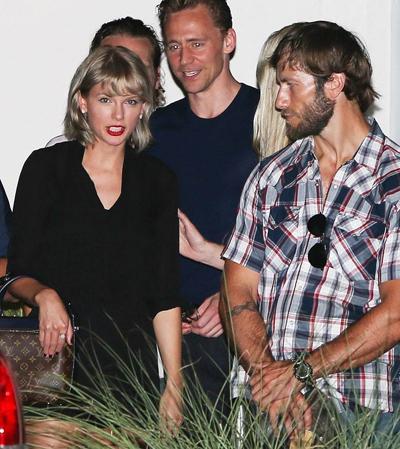 Tom và Taylor đi ăn tối cùng bạn bè ở Nashville.