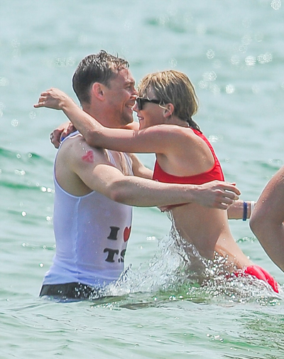 taylor-swift-mac-bikini-nong-bong-om-tom-hiddleston