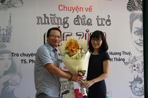 the-gioi-ao-thuat-sinh-dong-trong-nhung-dua-tre-mac-zich