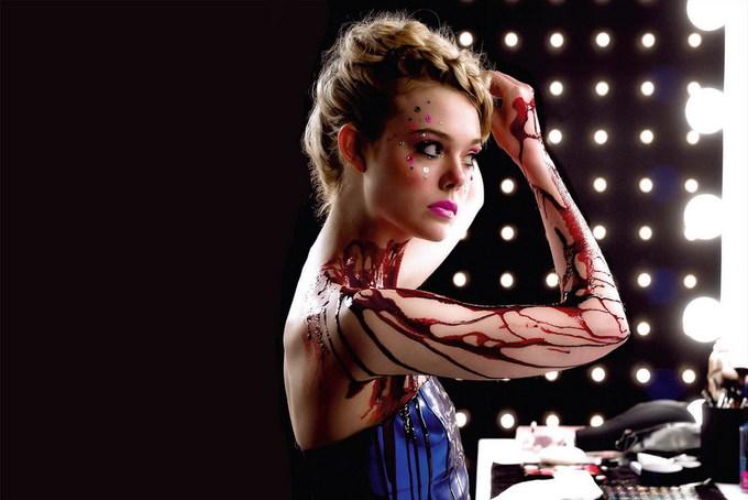 Elle Fanning – từ em gái Dakota đến 'ác quỷ sàn catwalk'