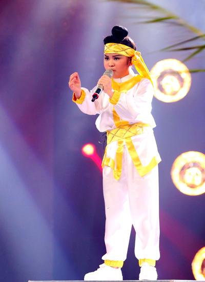 Bảo Trân được giám khảo gọi là thần đồng vì có thể trình diễn nhiều thể loại nhạc với nhiều phong cách từ đầu cuộc thi đến nay.