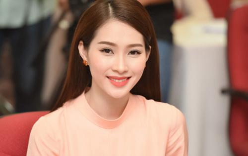 ly-nha-ky-pham-huong-trang-diem-dep-voi-phong-cach-doi-lap-3