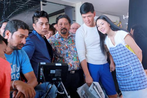 Đối với khán giả Việt Nam, có thể cái tên Peter Hiền khá xa lạ. Nhưng đối với khán giả Bollywood, Peter Hein (tên nghệ danh tại Ấn Độ) là cái tên rất nổi tiếng. Có thâm niên làm phim gần 20 năm tại Bollywood, gần đây anh đảm nhận vai trò đạo diễn hành động cho hàng chục bộ phim lớn tại Ấn Độ. Đây là con số bình thường vì mỗi năm số lượng phim do Bollywood sản xuất còn nhiều hơn cả Hollywood. Trước đây, anh cũng từng hợp tác với nam diễn viên Johnny Trí Nguyễn trong bộ phim 7 Aum (2011)-Giác quan thứ 7.