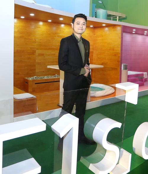 Quang Vinh phong độ khi tái xuất với showbiz.