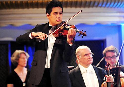 Nghệ sĩ Bùi Công Duy là một trong những tài năng violin hàng đầu Việt Nam hiện nay.