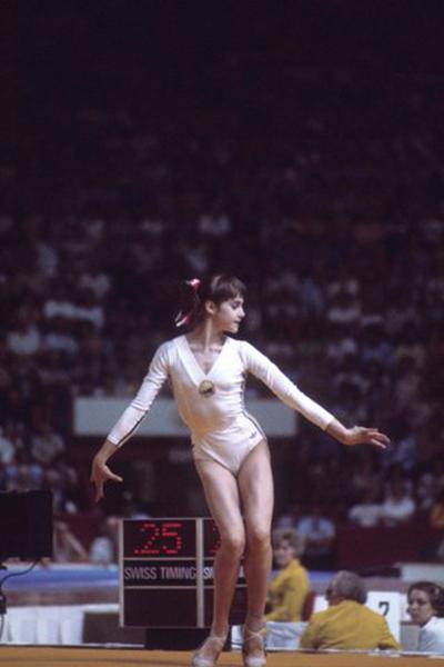 17-khoanh-khac-thoi-trang-dang-nho-tai-cac-ky-olympic-5