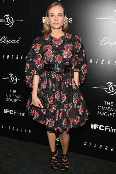 Diane Kruger kín đáo với váy hoa của Alexander McQueen.