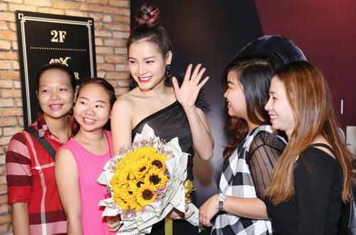 ban-dien-tay-cham-chut-cho-phuong-trinh-jolie-5