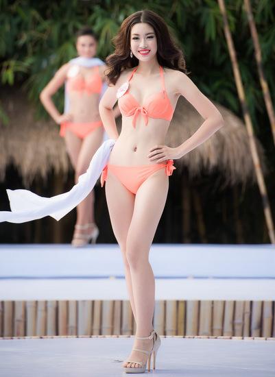 thi-sinh-hoa-hau-co-vong-eo-56-cm-lo-diem-yeu-hinh-the-voi-bikini-7