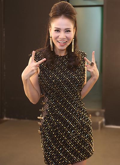 thu-minh-treu-dua-chong-o-hau-truong-vietnam-idol-3