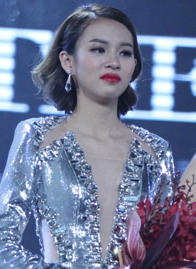 phi-phuong-anh-doat-quan-quan-the-face-2016
