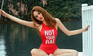 Hương Giang Idol khoe dáng với đồ bơi