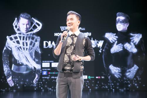 600-bo-trang-phuc-cho-diamond-show-cua-dam-vinh-hung