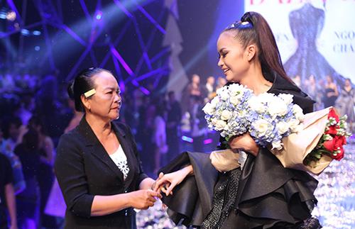 ngoc-chau-dang-quang-vietnams-next-top-model-2016-1