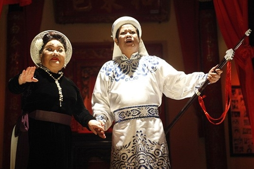 Cặp nhân vật của NSND Ngọc Giàu (trái) và NSƯT Thanh Nam có nhiều phân cảnh xúc động.