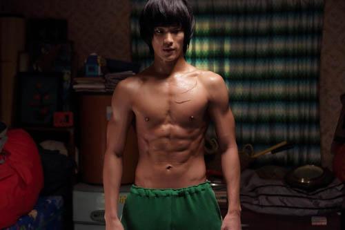 nhung-canh-khoe-co-bap-bannude-gay-sot-cua-my-nam-han-4