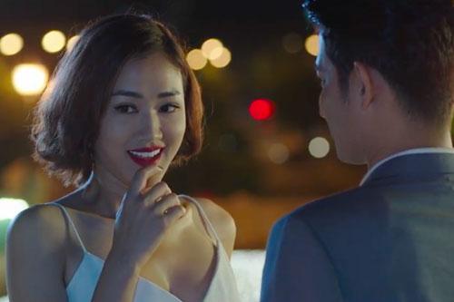 Maya được đoàn làm phim đánh giá cao với diễn xuất ngỡ ngàng khi được nhân vật của Huy Khánh hôn.