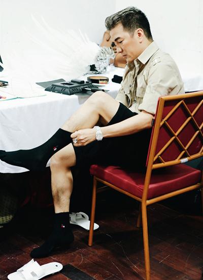 ức khỏe của anh đã tốt hơn sau tai nạn phải khâu sáu mũi ở bắp chân vào đầu tháng 10.