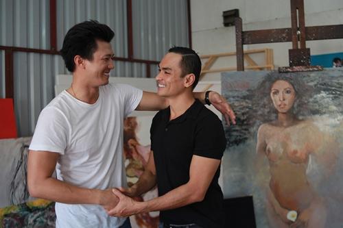 Diễn viên Hà Việt Dũng vào vai người chồng doanh nhân thành đạt của Diễm Tình. Nhân vật này luôn có nhiều bóng hồng vây quanh.