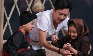 Trường Giang dạy các em bé diễn kịch kinh điển