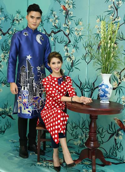 Người mẫu Chế Nguyễn Quỳnh Châu (ngồi) và Quang Hùng.