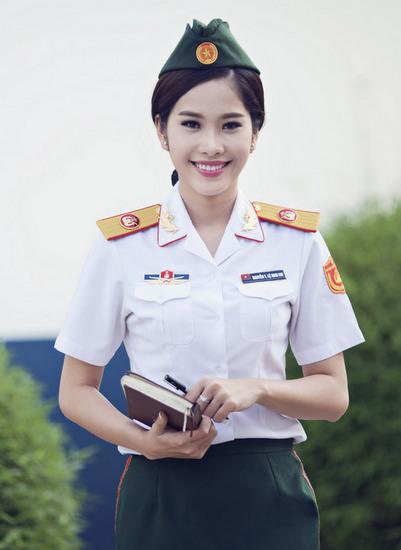 Năm 2016, Nam Em tiếp tục đăng ký thi Hoa hậu Việt Nam. Tuy nhiên sau đó cô quyết định rút lui vào phút chót với lý do
