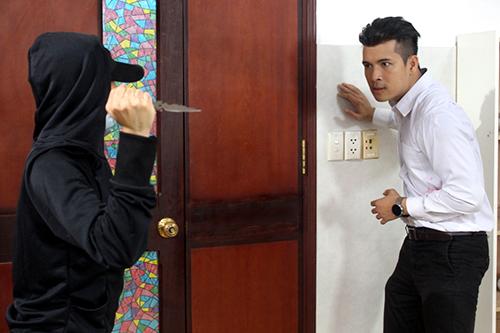 Trương Thế Vinh cho biết, đây là phim hình sự đầu tiên anh tham gia. anh đã theo học một lớp võ chuyên nghiệp để tự mình thực hiện những pha nguy hiểm mà không cần thế thân.