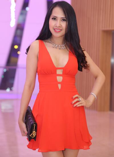 Diễn viên Gái nhảy Minh Thư vừa về nước hồi đầu tháng sau thời gian cùng con gái sinh sống, học tập ở Mỹ.