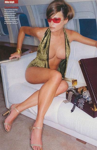 Sinh năm 1970, Melania Trump (tên trước khi lấy chồng: Melania Knauss) lớn lên trong một gia đình giàu có tại Svenica, Slovenia. Cô là vợ ba của tỷ phú Donald Trump - người vừa trở thành Tổng thống Mỹ. Bà Trump bắt đầu làm mẫu vào năm 16 tuổi.