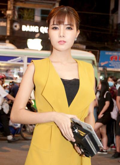 angela-phuong-trinh-mac-vay-xuyen-thau-du-su-kien-11