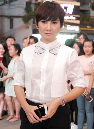 angela-phuong-trinh-mac-vay-xuyen-thau-du-su-kien-7